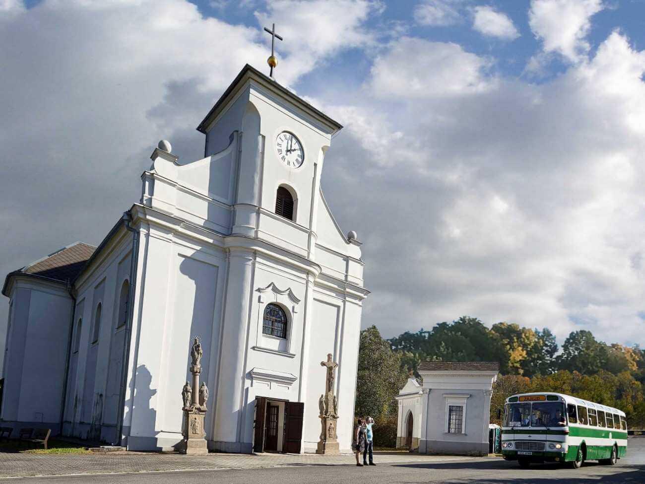 Šikmý kostel sv. Petra z Alkantary (Zdroj: fotoarchiv společnost MS Tourism)
